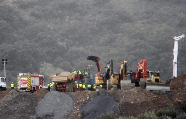 Mineros del túnel horizontal para localizar a Julen trabajarán de rodillas en turnos de 40 minutos.