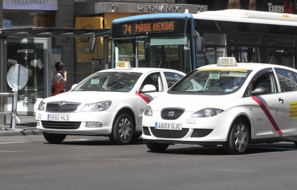 Asociaciones del taxi llaman a la tranquilidad ante la convocatoria para bloquear Ifema por acuerdo entre Cabify y ARCO