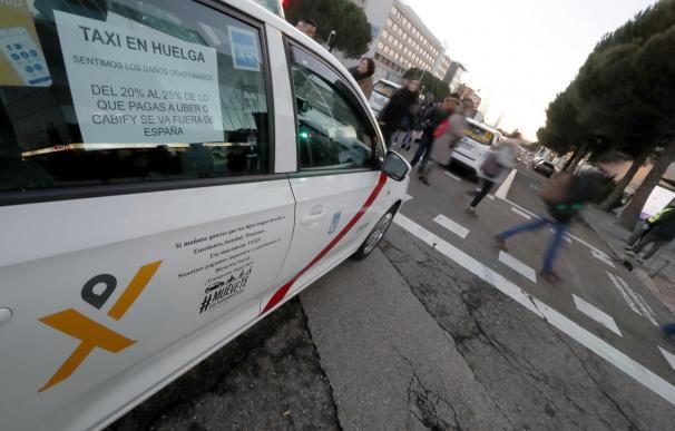 Uber y Cabify hacen el agosto en la huelga del taxi: doblan ingresos y ganan clientes