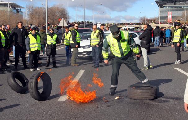 Guardia Ciivl, taxi, M40, Madrid, huelga taxistas