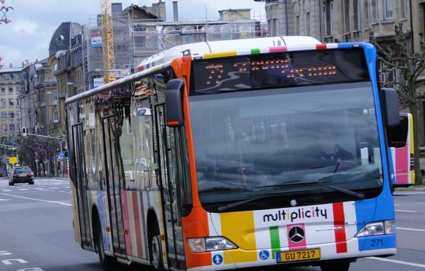 Fotografía de un bus de Luxemburgo.