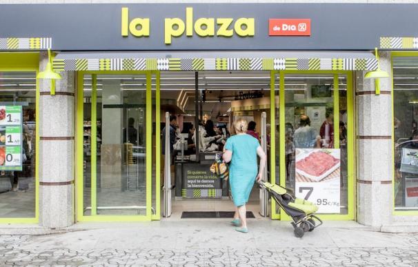 La Plaza de Día. Supermercados, compras.