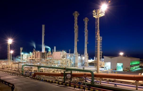 Instalaciones de refinado de productos petrolíferos de ADNOC