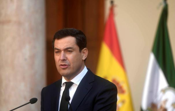El presidente de la Junta de Andalucía, Juanma Moreno en su comparecencia tras la primera reunión del Consejo de Gobierno de la XI Legislatura en Antequera (Málaga). EFE /Rafa Alcaide