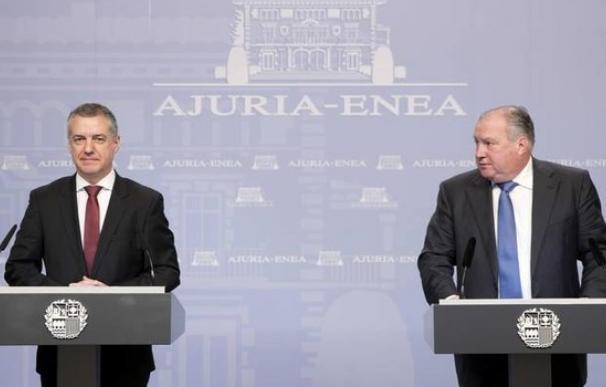 Fotografía de Iñigo Urkullu y Roberto Larrañaga (Confebask) / EFE