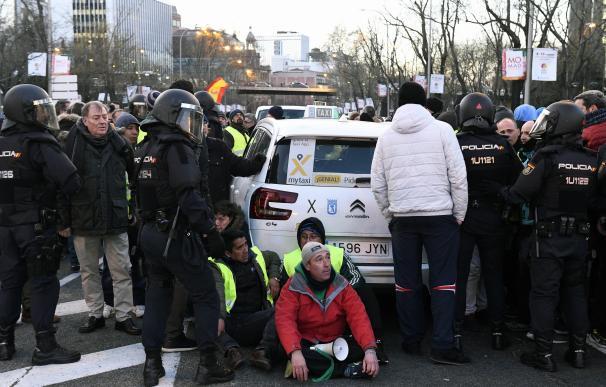 La temperatura de las protestas del taxi sigue estando muy alta