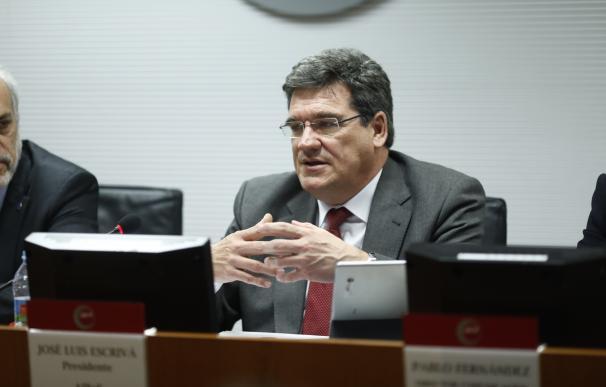 El presidente de la AIReF, José Luis Escrivá, presenta un estudio