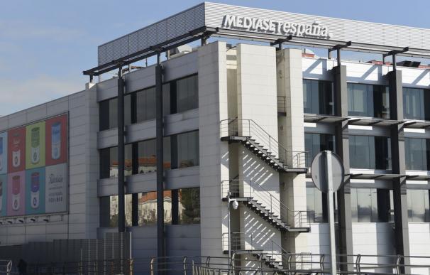 El selectivo se anota 'tímidas subidas' movidas por cierto rumor de una opa a Mediaset