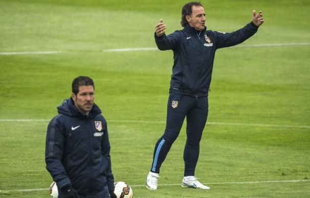 El 'profe' Ortega forma parte del cuerpo técnico de Simeone desde 2006.