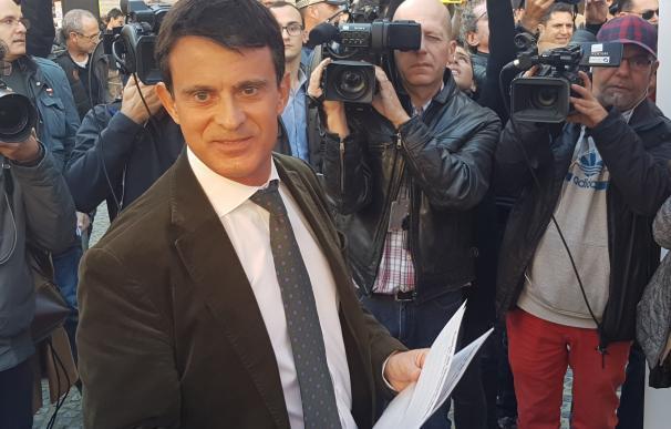 Manuel Valls interviene en un acto en el barrio del Raval en Barcelona