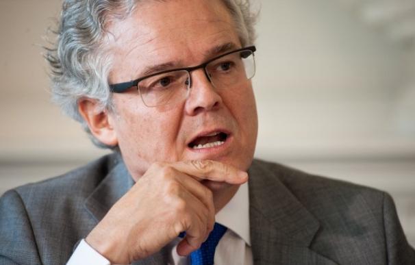 El presidente de la CNMV, Sebastián Albella, en un curso de la APIE en Santander