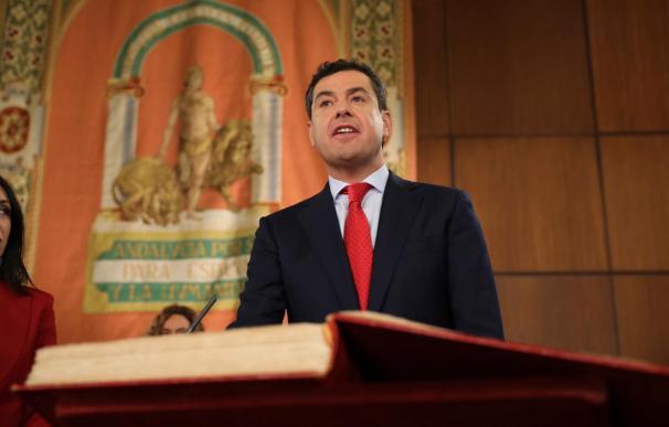 Juanma Moreno jura el cargo como presidente de la Junta.