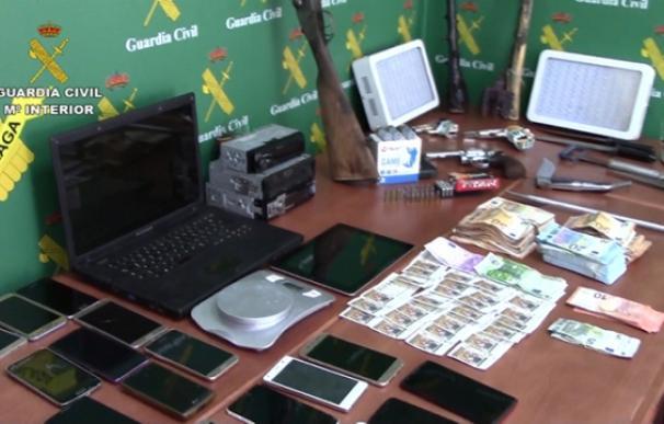 Material incautado durante los registros de la operación 'Copy' (Foto: Guardia Civil)