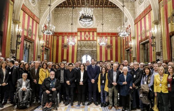 Los primeros ediles catalanes, con Ada Colau al frente (Foto: @bcn_ajuntament)