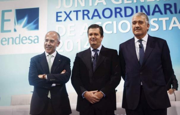 De izquierda a derecha: Francesco Starace, Borja Prado y José Bogas.