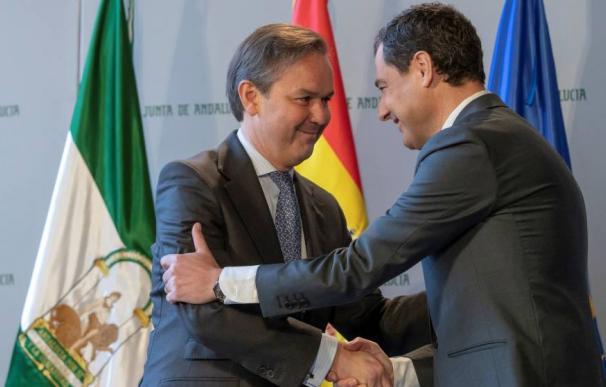 García Valera durante la toma de posesión como consejero de Hacienda, Industria y Energía. (EFE)