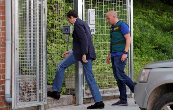 Zaplana entrando a prisión./ EFE