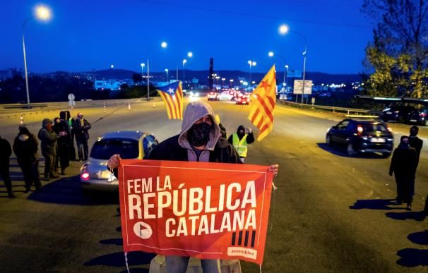 Los CDR levantan los peajes de varias autopistas en Cataluña