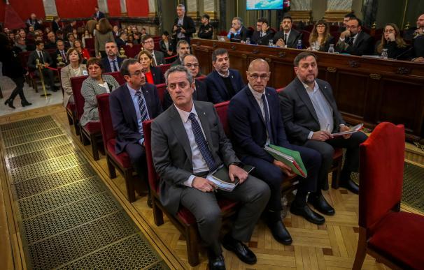 Los doce líderes independentistas acusados por el procés en el banquillo del Supremo