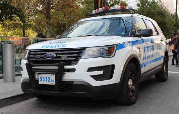 Fotografía de un coche de la policía de Nueva York.