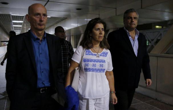 El embajador de España en Venezuela, Jesús Silva (derecha)