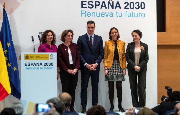 Pedro Sánchez encabezó la presentación del paquete de energía y clima