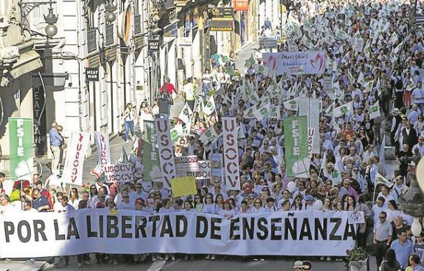 Fotografía manifestación a favor de la enseñanza concertada / EFE