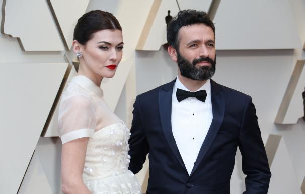 La actriz española Marta Nieto (i) y el director español Rodrigo Sorogoyen