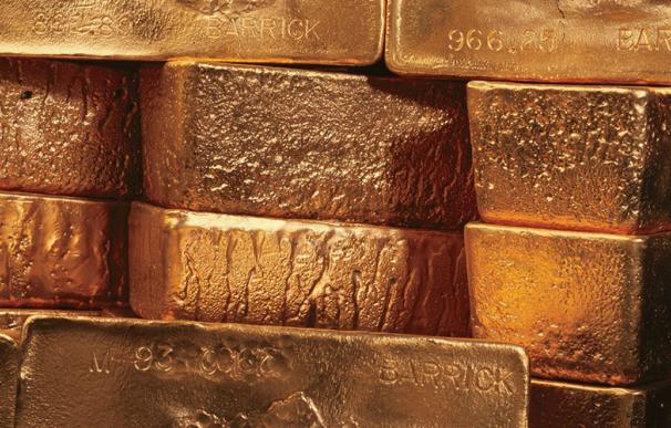 El oro cotiza en torno a los 1.300 dólares por onza.
