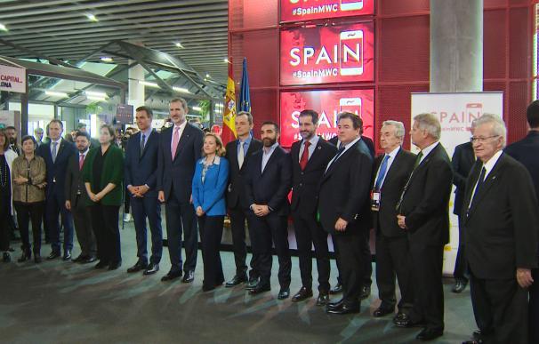 Torra evita visitar el estand de España con el Rey en el MWC