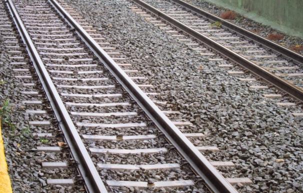 Adif renovará la vía de tren en el tramo Mérida-Aljucén de la línea Ciudad Real-Badajoz