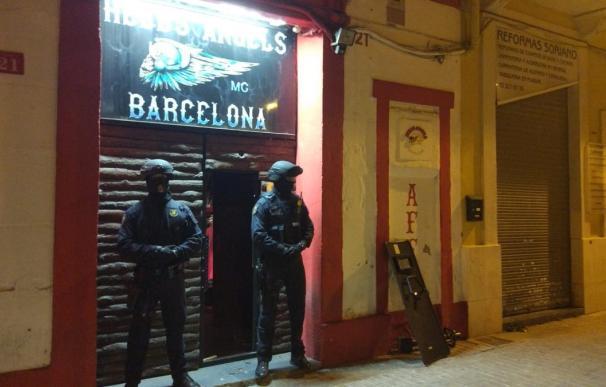 Los Mossos registran locales del club de motos Hells Angels por tráfico de droga