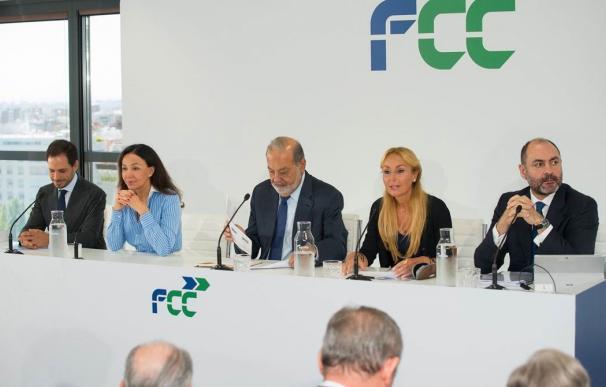 Carlos Slim, Esther Koplowitz y Pablo Colio en el 'Investor Day' del grupo