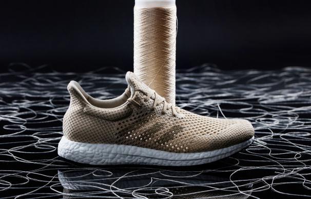 Adidas vende ya unas zapatillas compostables fabricadas con este material. / Adidas