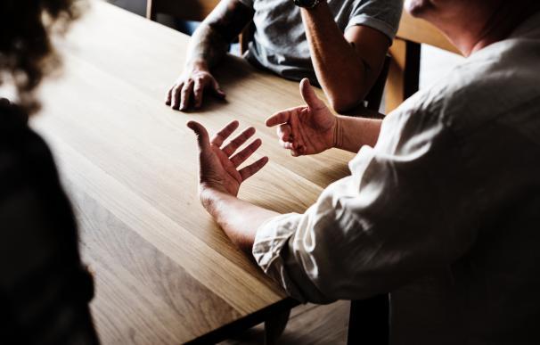 Saber hacer críticas constructivas es una cualidad muy importante en un jefe. / Pexels