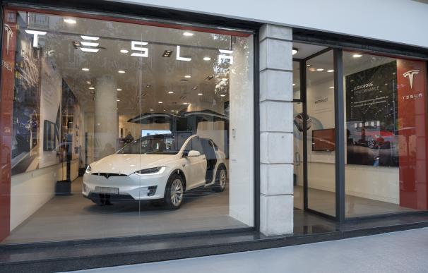 Fotografía de la nueva tienda de Tesla en Madrid