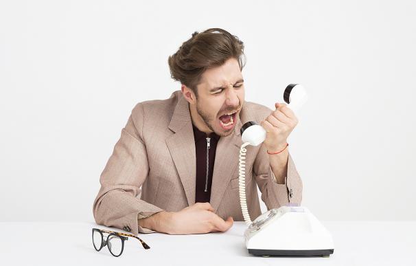 La atención telefónica puede ser enormemente frustrante. / Pexels
