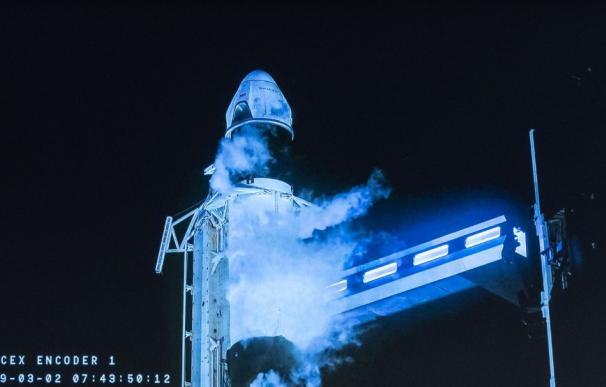 La cápsula de Elon Musk que llevará turistas al espacio despega con éxito