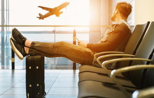 Jet Blue te ofrece viajar gratis durante un año.