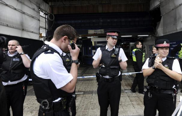 """La Policía de Londres investiga a la editora del """"Sunday Mirror"""" por escuchas"""