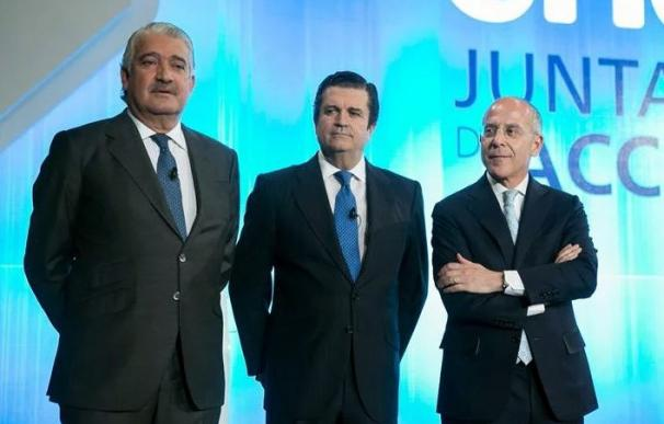 José Bogas (en primer término) mantendrá la estrategia de Endesa.