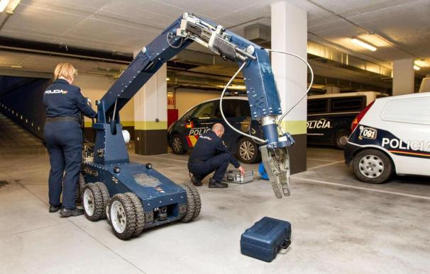 Los TEDAX desarrollan un sistema técnico que aumenta su seguridad