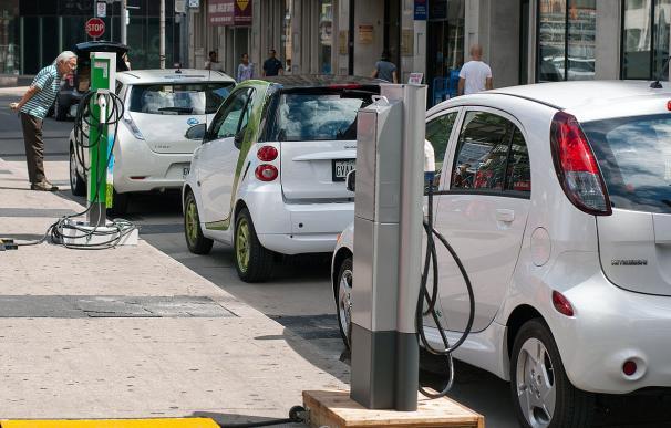 Bruselas abre la puerta a que España establezca un IVA reducido del 4% para el coche eléctrico