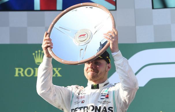 Bottas celebra su título en Australia.