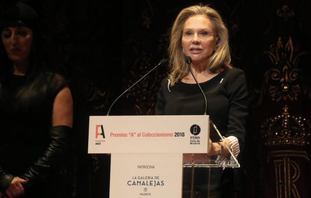 Alicia Koplowitz, agradeciendo el Premio 'A' al Coleccionismo, concedido por la Fundación ARCO. EFE/ Kiko Huesca