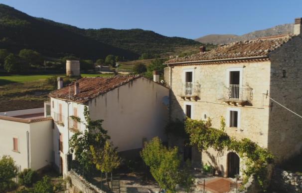 Fotografía de la vivienda que sale a la venta por 58 euros en Italia.