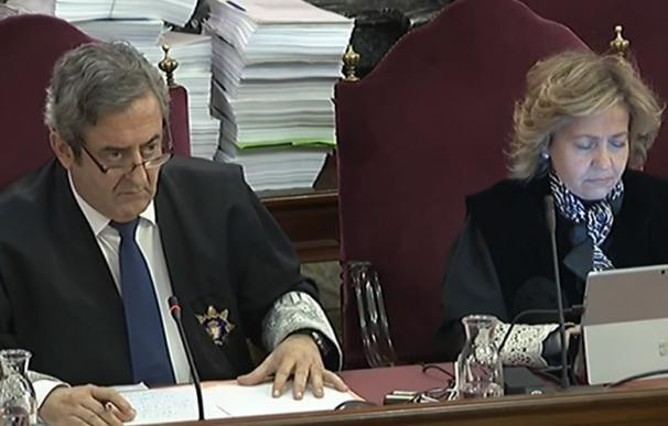 Los fiscales Javier Zaragoza y Consuelo Madrigal durante el juicio por el procés en el Tribunal Supremo