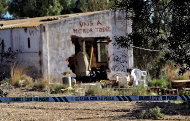 Fachada de la casa okupada por la familia de los niños asesinados en Godella