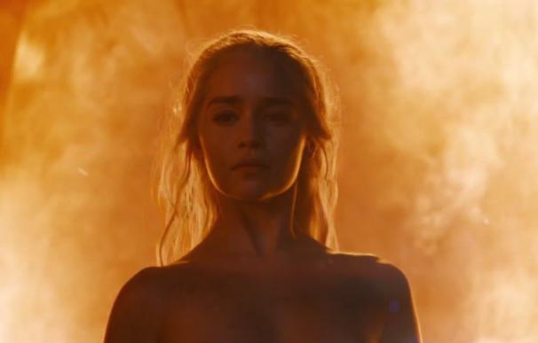 """Emilia Clarke, sobre su nuevo desnudo en 'Juego de tronos': """"No es una doble"""""""