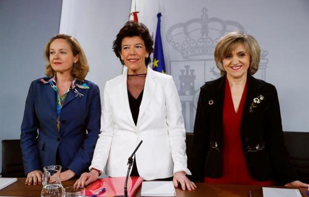 Nadia Calviño, Isabel Celaá y María Luisa Carcedio